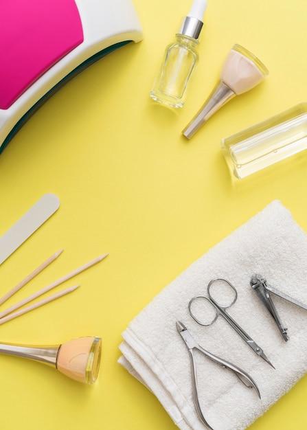 Strumenti accessori per la cura delle unghie e smalto per unghie Foto Gratuite