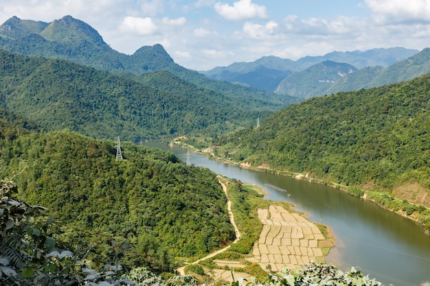Nam nua river, vietnam Premium Photo