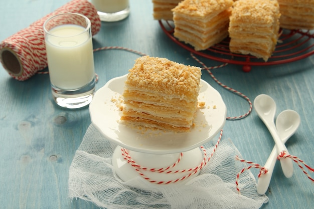 Napoleon cake, layer cake from  puff pastry with custard cream Premium Photo