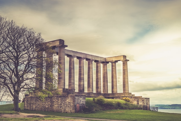 National monument of scotland, on calton hill in edinburgh, scot Premium Photo