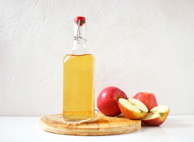 Premium Photo | Natural apple cider vinegar prepared at home