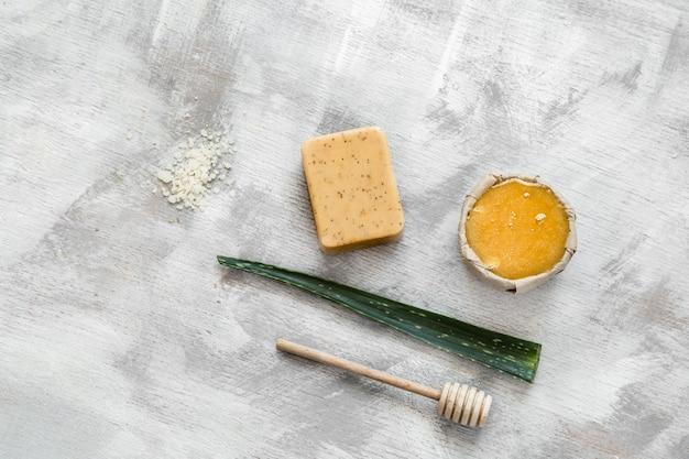 Belle cosmetici naturali per la cura del corpo. Foto Gratuite