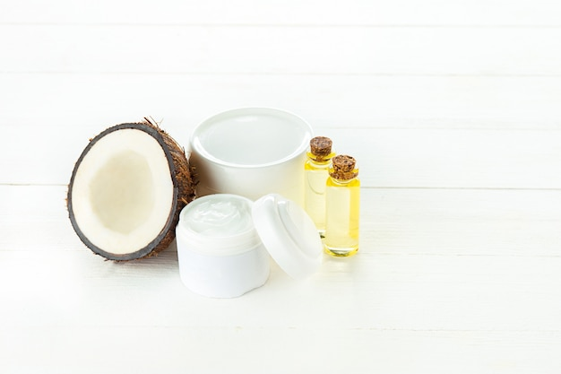 Natural coconut oil Free Photo