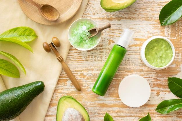自然の緑のアボカド製品の美しさと健康スパのコンセプト 無料写真