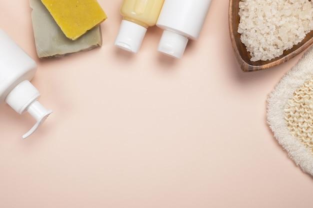 화장품과 천연 온천. 목욕 액세서리, 바디 트리트먼트 프리미엄 사진