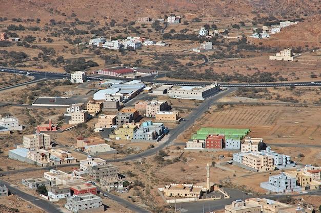 山の自然サウジアラビア Premium写真