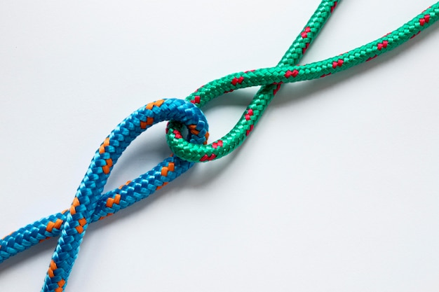 青と緑の色の航海ロープノット 無料写真