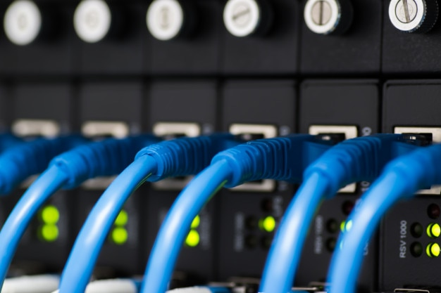 Network switch and ethernet cables Premium Photo