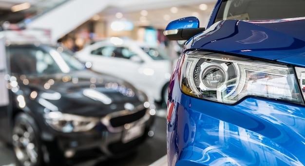 ディーラーショールームインテリアの新車 Premium写真