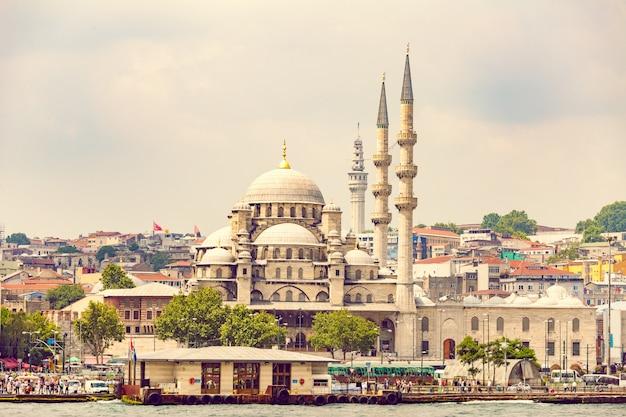 New mosque istanbul Premium Photo