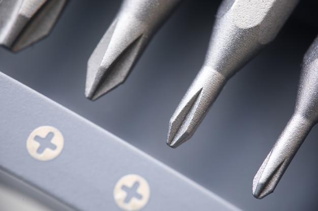 Новый комплект звездочек для отвертки крупным планом. концепция ремонтно-строительных инструментов Premium Фотографии