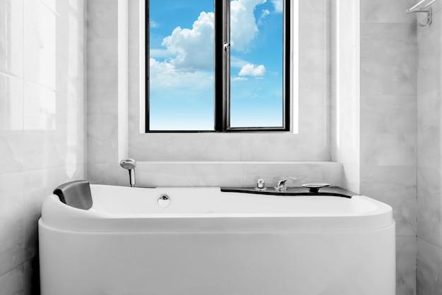 The new toilet and bathtub Premium Photo