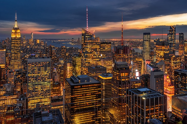 New york city cityscape in lower manhattan at the twilight time Premium Photo