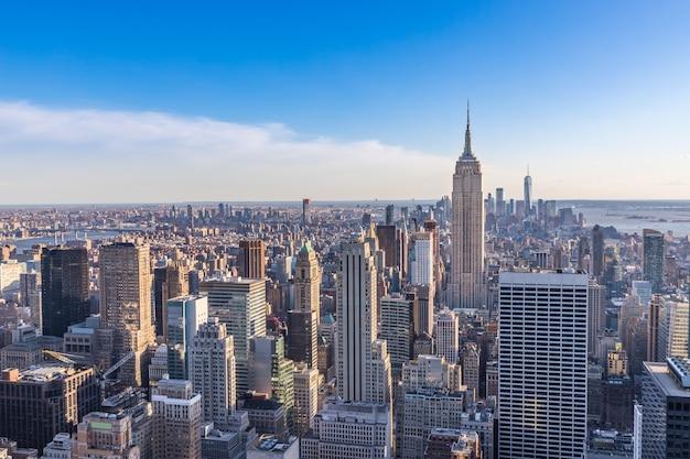 New york city skyline with empire state building manhattan usa Premium Photo