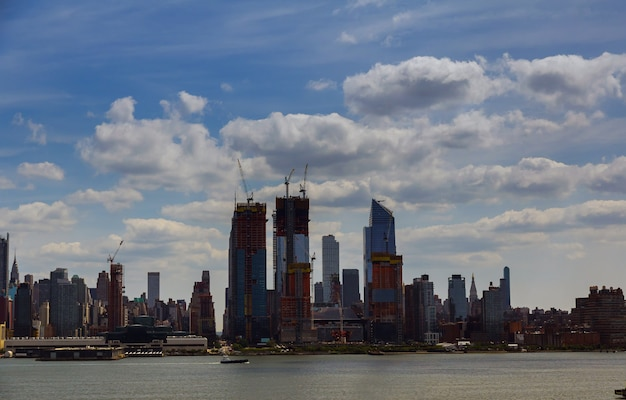 New york city skyline with urban skyscrapers at sunset, usa Premium Photo