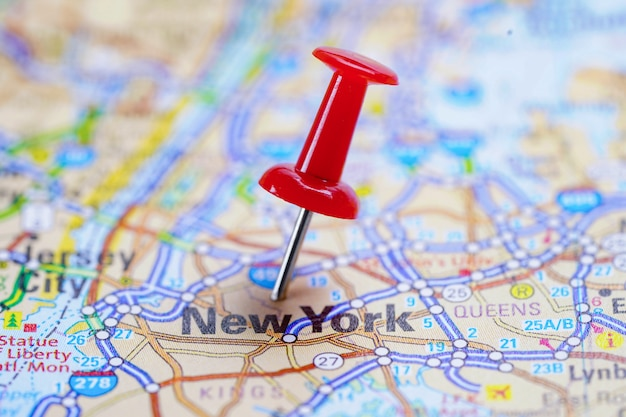 New york road map with red pushpin Premium Photo