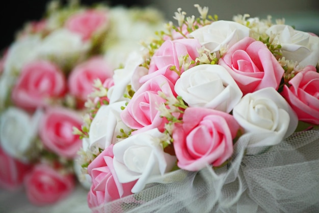 Nice bouquet with white and pink flowers Free Photo
