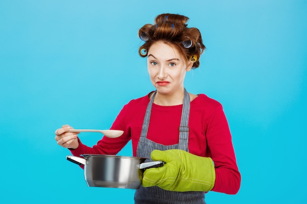 Хорошая женщина не любит запах домашней еды на ужин Бесплатные Фотографии
