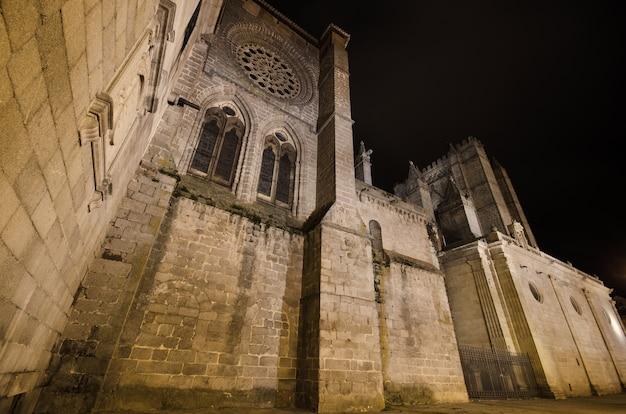 Night scene of famous avila cathedral, castilla y leon, spain. Premium Photo