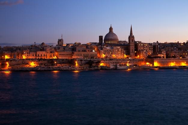 Night view of valletta, malta Free Photo