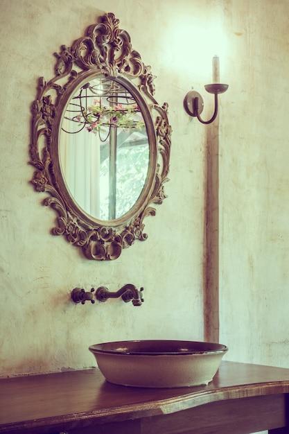 装飾的なオブジェクト花瓶の水のバスルーム 無料写真