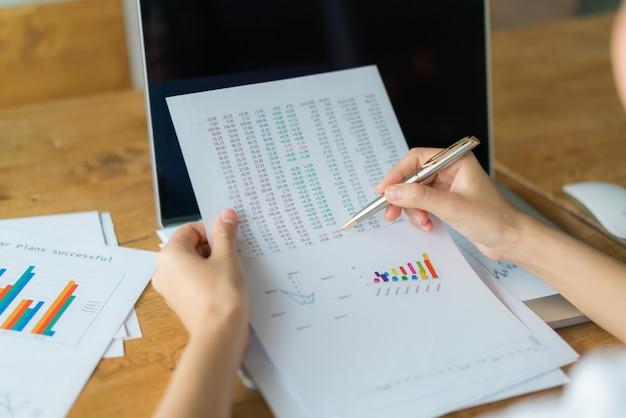分析データ統計価格を分析する 無料写真
