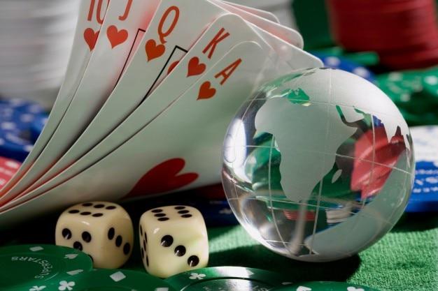 カード、ダイス、ポーカーチップ 無料写真
