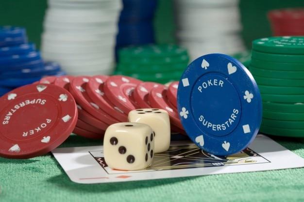 ポーカーチップとチップス 無料写真