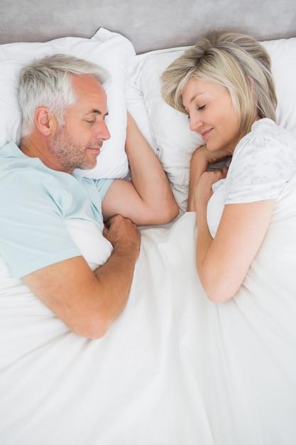 Фото пожилых пар в кровати — pic 11