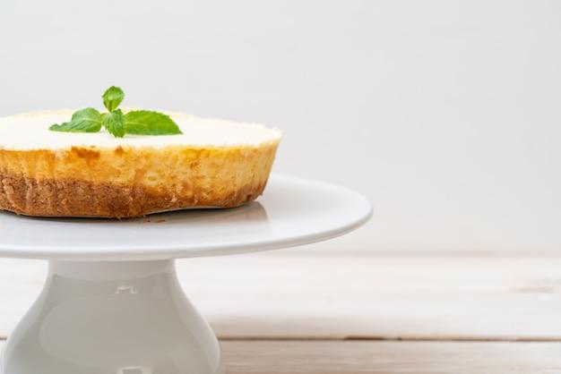 Домашний чизкейк с мятой Premium Фотографии