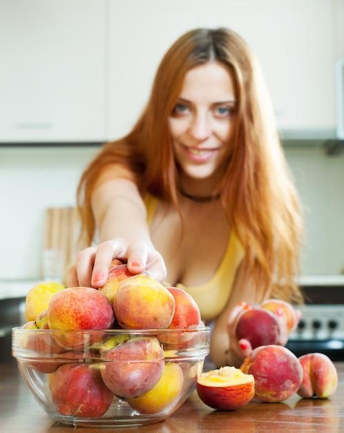 Персики Девушек Фото