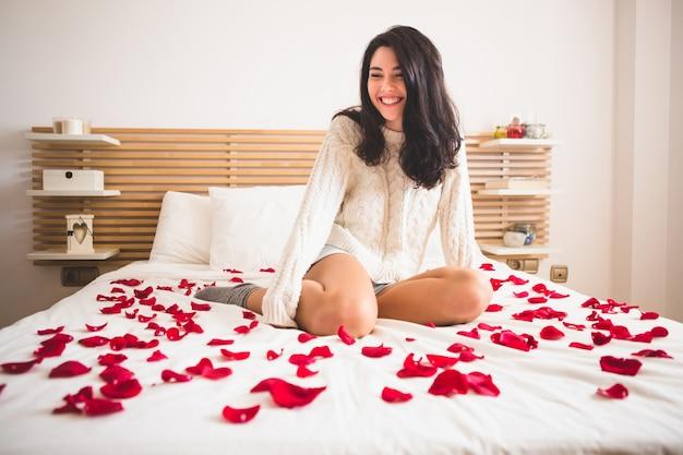 Фото девушки в кровате бесплатные фото 769-759