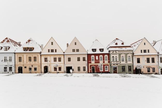 冬の町の小さな家 無料写真