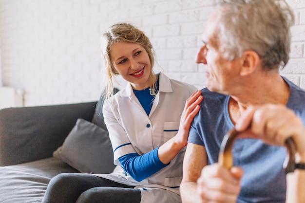 Медсестры в доме престарелых дома престарелых законы