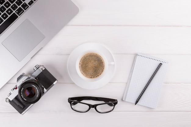 как загрузить фото с фотоаппарата в ноутбук