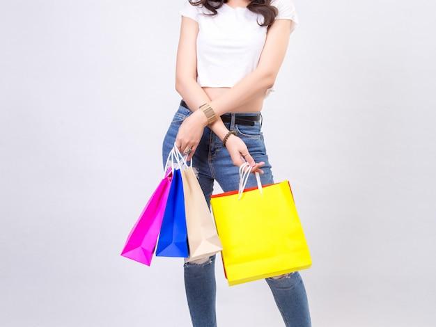 Это вредно молодые женщины с покупками