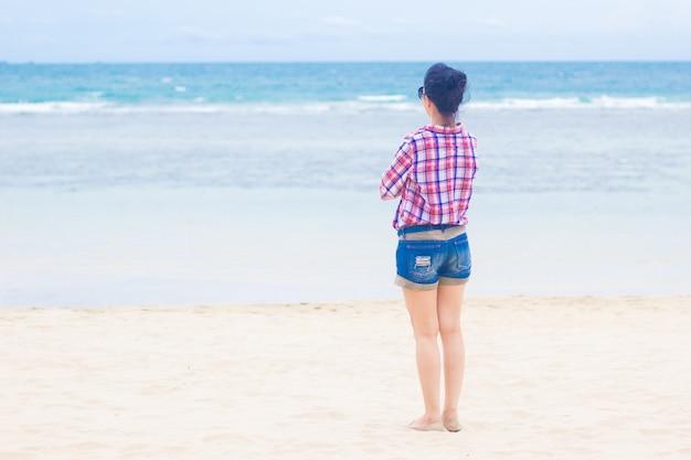 Красивое фото девушки на пляже вид сзади, парни испании секс