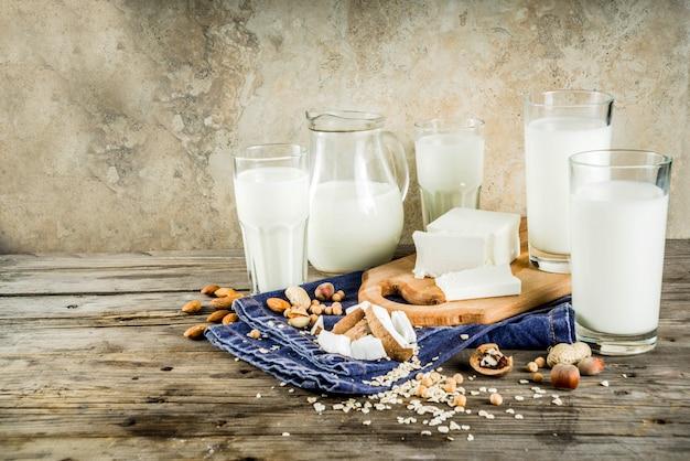 Концепция немолочной молочной пищи Premium Фотографии