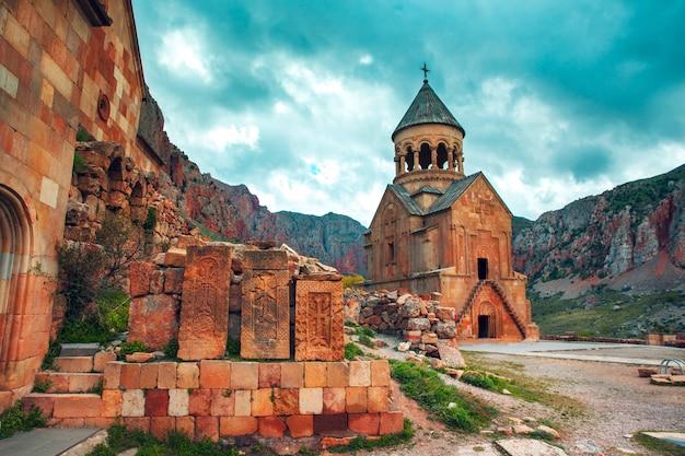 アルメニアのnoravank修道院のsurb astvatsatsin教会 Premium写真