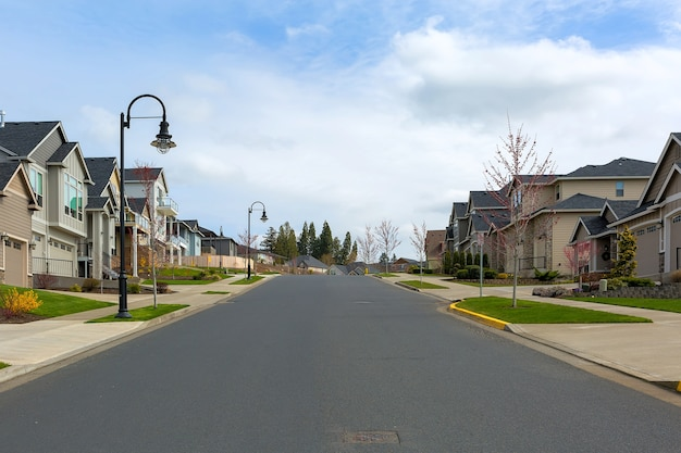 North american suburban homes in happy valley, oregon Premium Photo