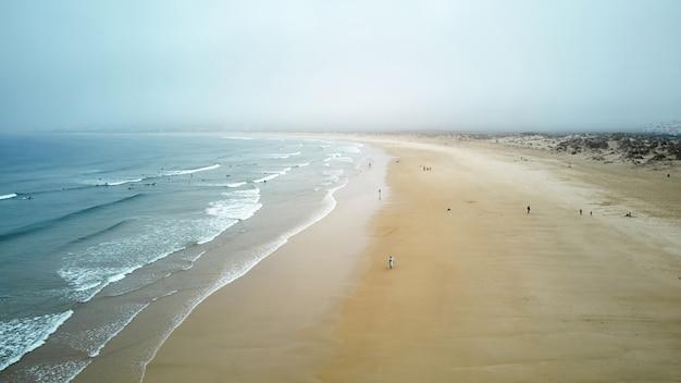 ノースビーチとナザレポルトガルの海 無料写真
