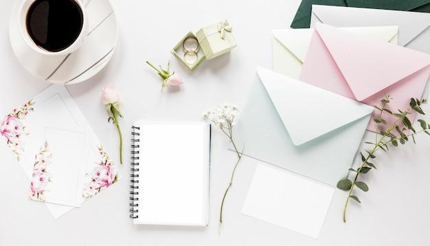 Блокнот и приглашение на свадьбу Бесплатные Фотографии