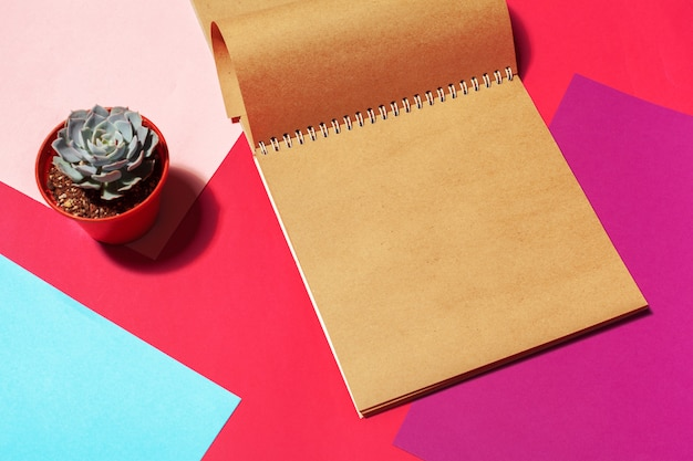 Notebook open page design on table Premium Photo