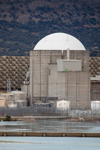 Nuclear power plant in the center of spain Photo   Premium
