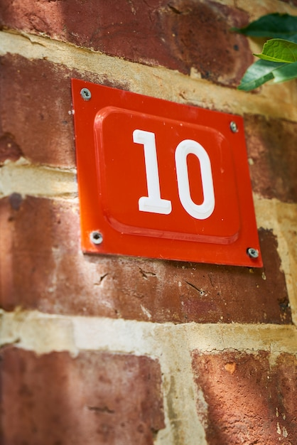 Number 10 in red Free Photo