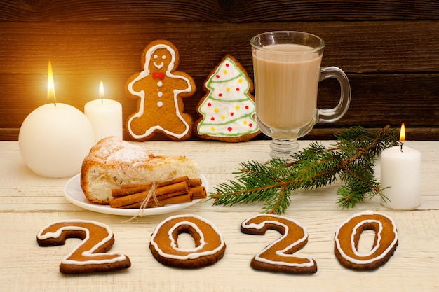 Number 2020 from gingerbread cookies. Premium Photo