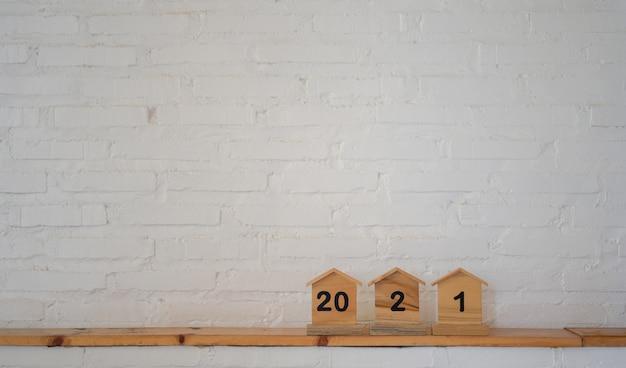 Номер на модели деревянного дома Premium Фотографии