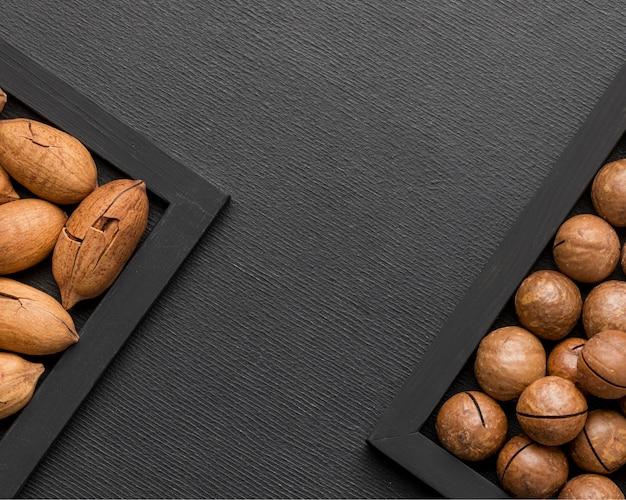 コピースペース付きナッツアレンジメント 無料写真