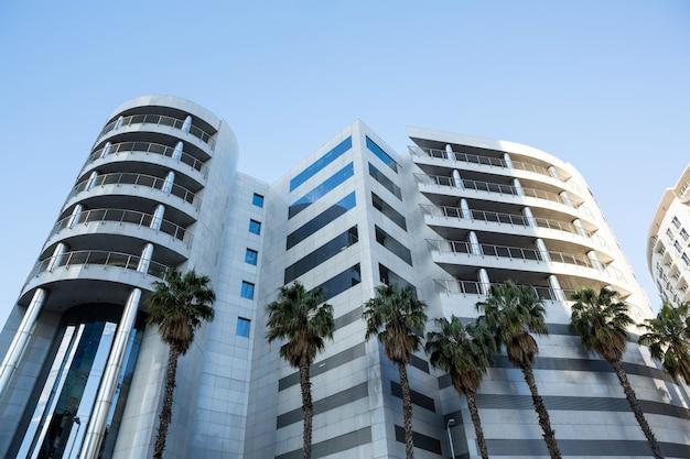 현대 건축의 오피스 빌딩 무료 사진