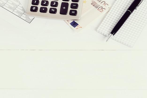 Офис с документами и денежными счетами Бесплатные Фотографии